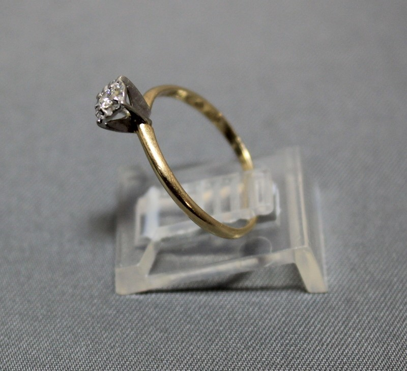 14KY 1.2G LDS DIAM CHIP RING 14K 1.2GR