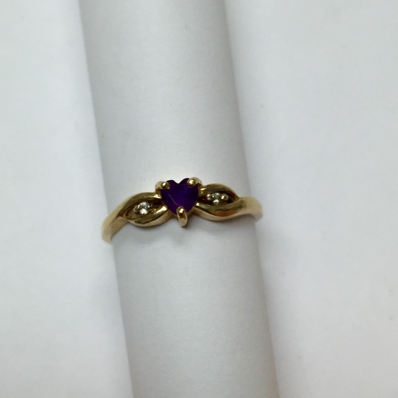 Amethyst Lady's Stone & Diamond Ring 2 Diamonds .02 Carat T.W. 14K Yellow Gold