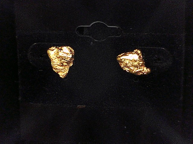 GOLD NUGGET EARRINGS 4.8G