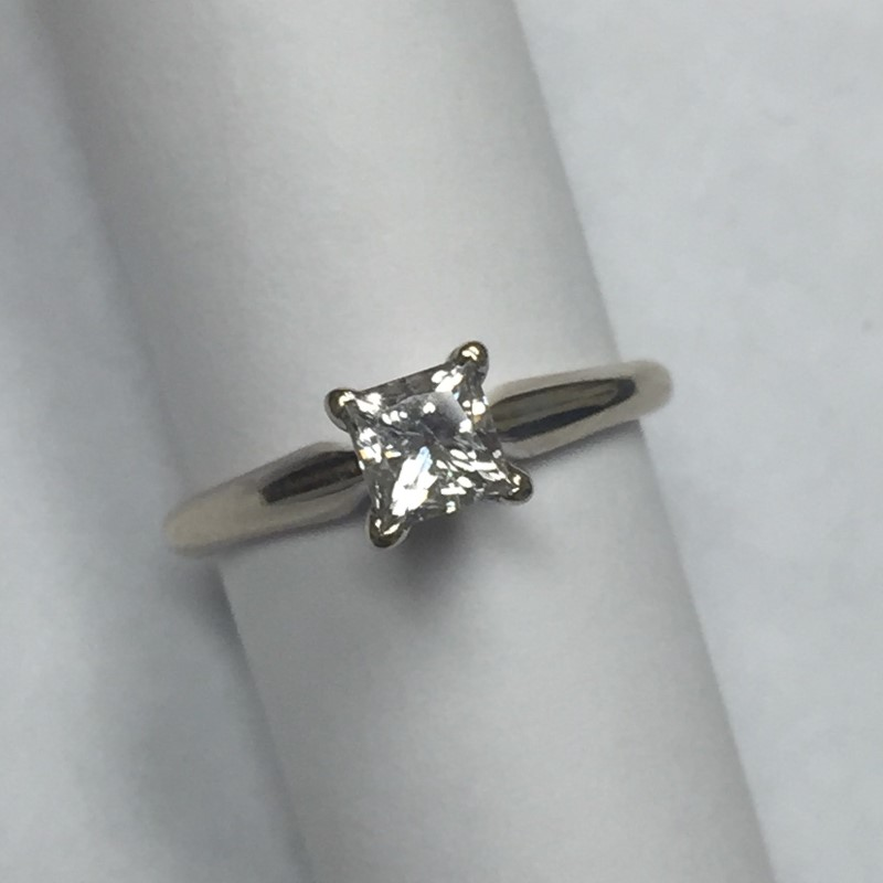 Lady's Diamond Solitaire Ring .70 CT. 18K White Gold 1.7dwt Size:5.5