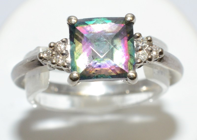 GORGEOUS CUSHION CUT MYSTIC TOPAZ & 6 DIAMOND RING 14K WHITE GOLD RING SIZE 6.75