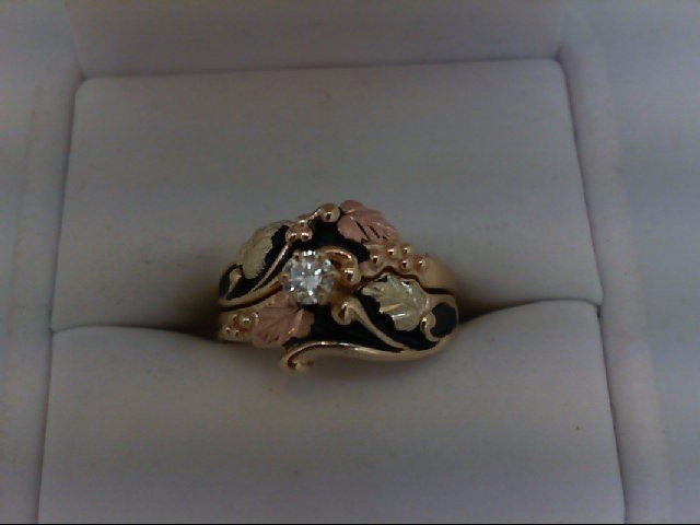 Lady's Diamond Wedding Set 0.14 CT. 10K Tri-color Gold 5.5g