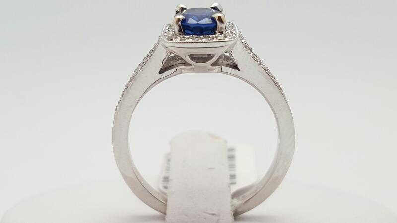 Lady's Sapphire & Diamond Ring 68 Diamonds .28 Carat T.W. 18K White Gold 5.5g