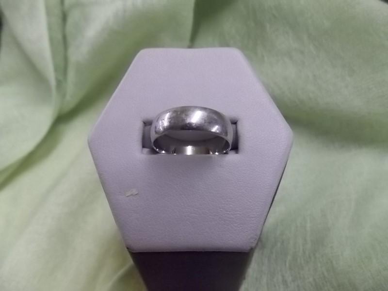 Gent's Platinum Ring 950 Platinum Size: 8 1/2
