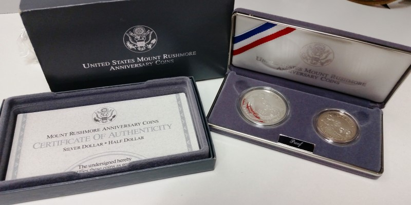 UNITED STATES MOUNT RUSHMORE ANNIVERSARY COINS