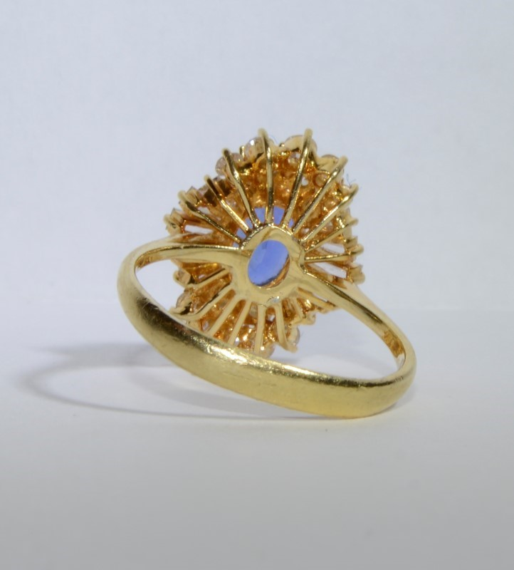 Tanzanite Lady's Stone & Diamond Ring 28 Diamonds 1.18 Carat T.W.