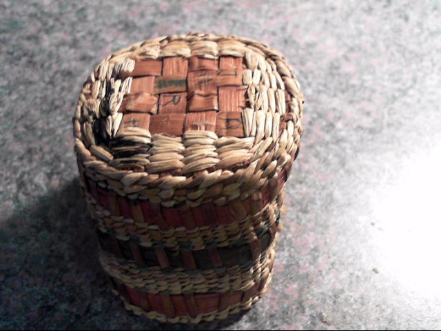 HAND MADE MAKAH CEDAR BARK BASKET