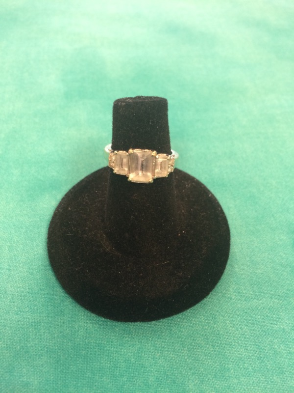 White Stone Lady's Stone Ring 14K White Gold 2dwt
