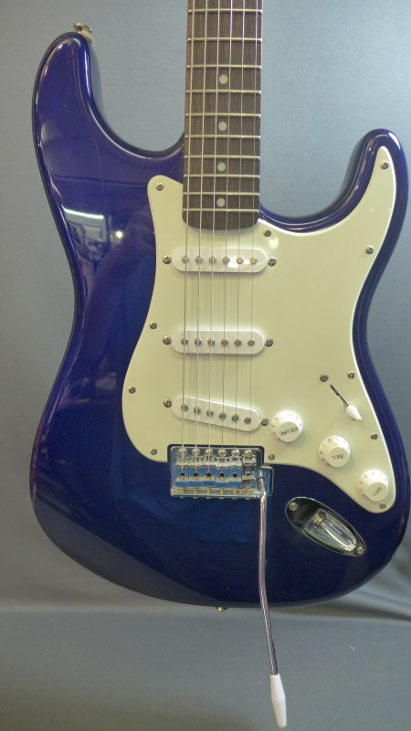 FENDER Electric Guitar SQUIER STRATOCASTER INDONESIA
