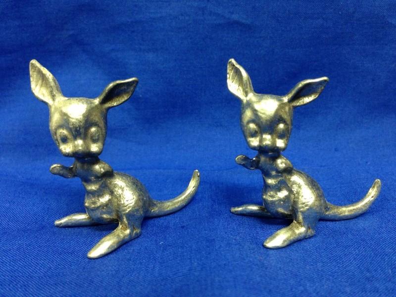 2 kangaroo PEWTER FIGURINES  GEMINI GEMS VINTAGE 1970'S