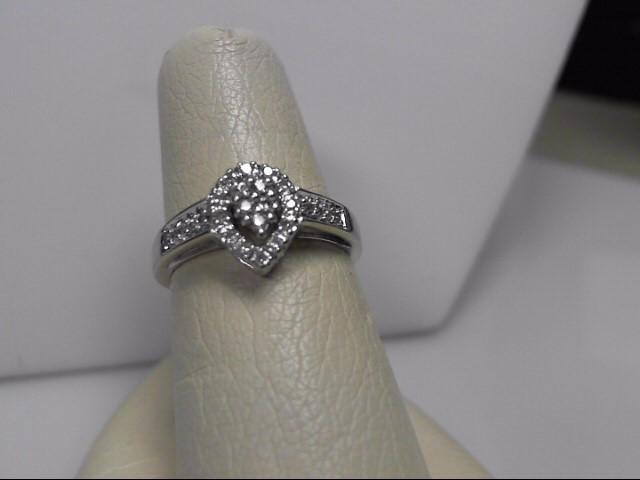 Multi Diamond 14kt WG Ring Size:7