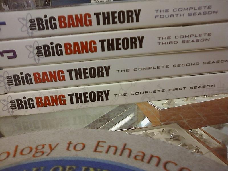 DVD BOX SET DVD THE BIG BANG THEORY