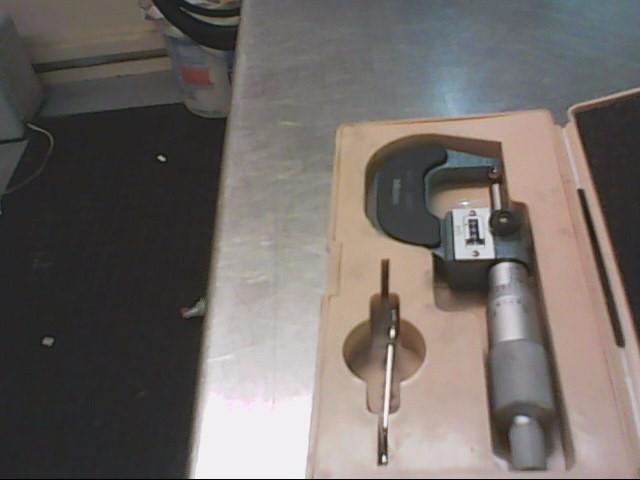 """MITUTOYO Micrometer 295-253 0-1"""" DIGITAL MULTIMETER"""