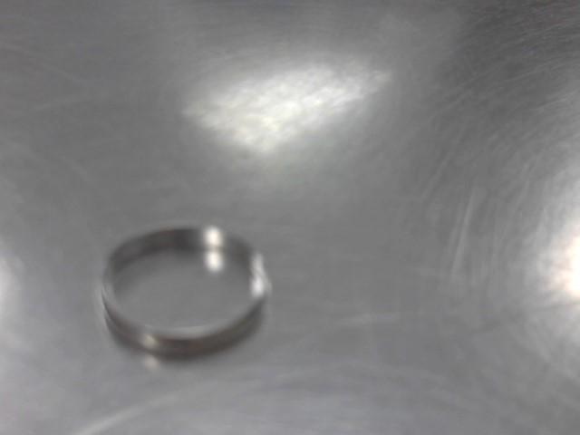 Lady's Gold Ring 10K White Gold 1.9g