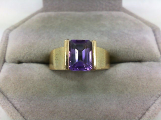 Amethyst Lady's Stone Ring 10K Yellow Gold 3.4g