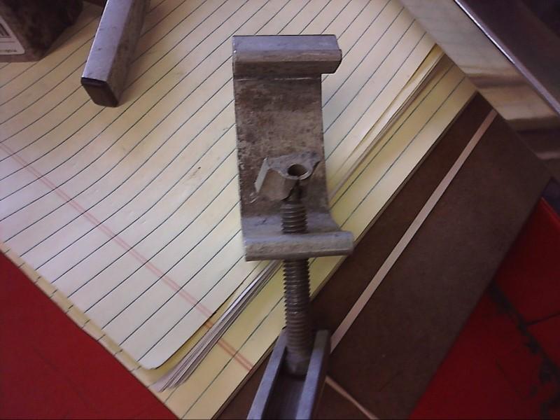 CAMPER CLAMP (1075971)