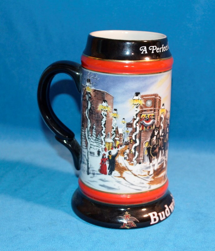 "1992 BUDWEISER HOLIDAY BEER STEIN COLLECTOR'S SERIES ""A PERFECT CHRISTMAS"""