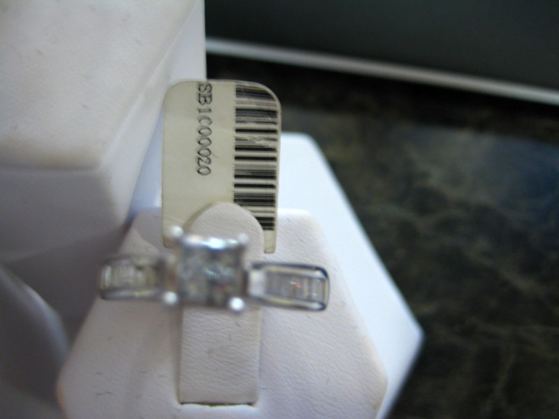Lady's Diamond Engagement Ring 0.01 CT. 14K White Gold 4.2g
