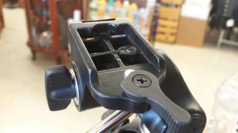 SUNPAK Camera Accessory TRIPOD