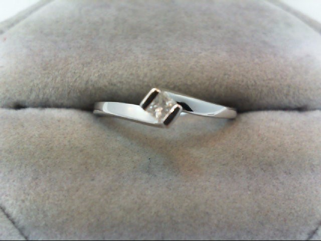 Lady's Diamond Engagement Ring .18 CT. 10K White Gold 1.7g