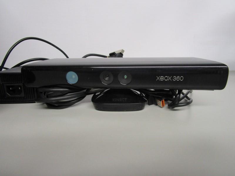 MICROSOFT XBOX 360 - 250GB - KINECT