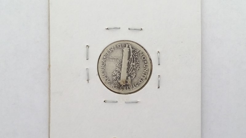 1941 U.S MERCURY DIME IN SLEEVE