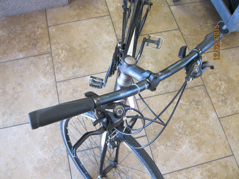 GIANT BICYCLES Hybrid Bicycle ESCAPE