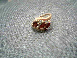 Almandite Garnet Lady's Stone Ring 10K Yellow Gold 3.6g