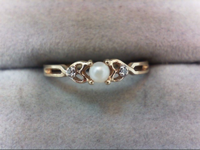 Lady's Diamond Fashion Ring 2 Diamonds .02 Carat T.W. 10K Yellow Gold 1g