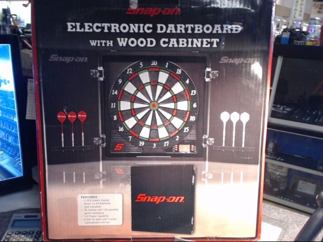 SNAP ON Indoor Sports DART BOARD