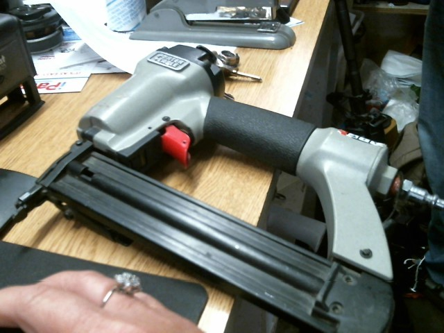 USED-PORTER CABLE Nailer/Stapler BN125A