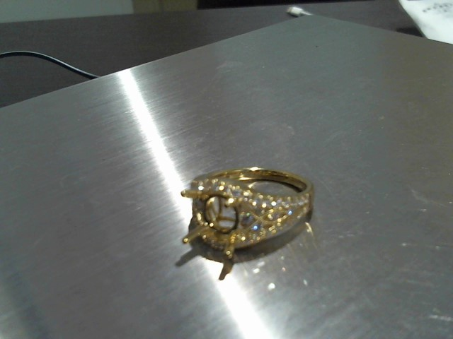 Lady's Gold Ring 18K Yellow Gold 5.9g