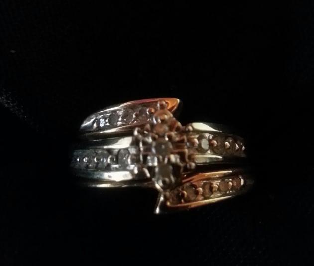 Lady's Diamond Wedding Set 19 Diamonds .19 Carat T.W. 14K Yellow Gold 3.2dwt