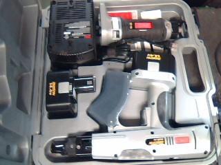 SENCO Nailer/Stapler DS200-14V