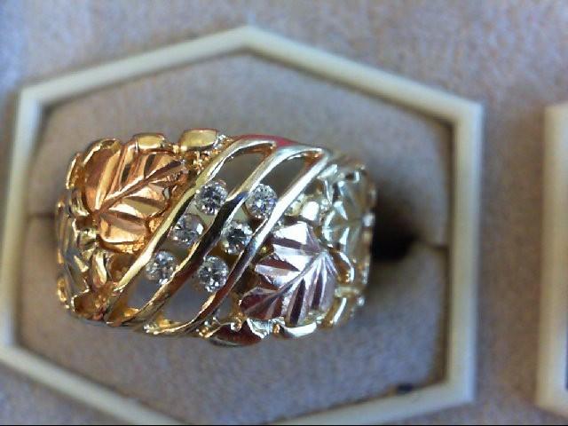 Lady's Diamond Wedding Band 6 Diamonds 0.12 Carat T.W. 10K Tri-color Gold 4.3g
