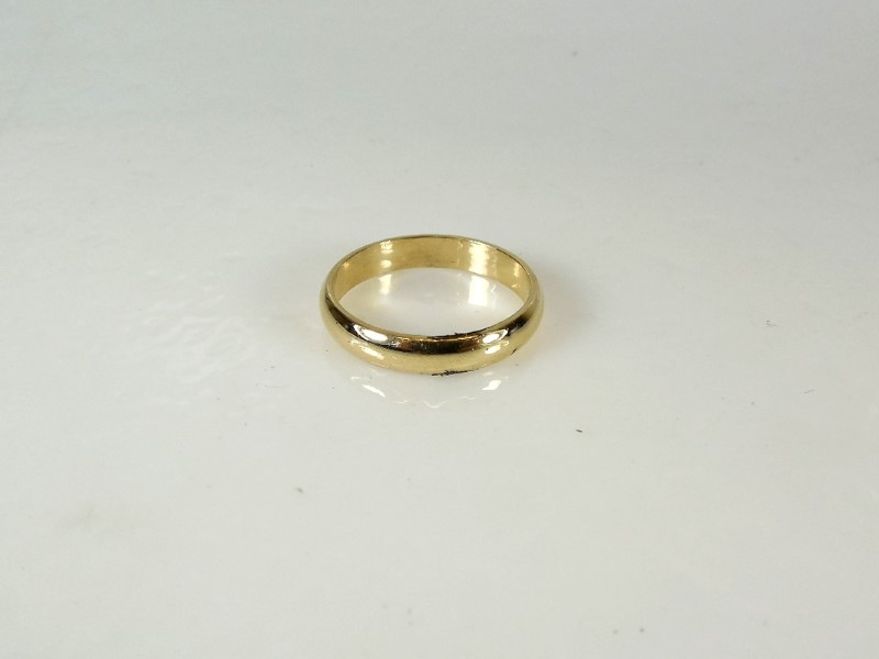 Gent's Gold Ring 18K Yellow Gold 4g Size:9.5