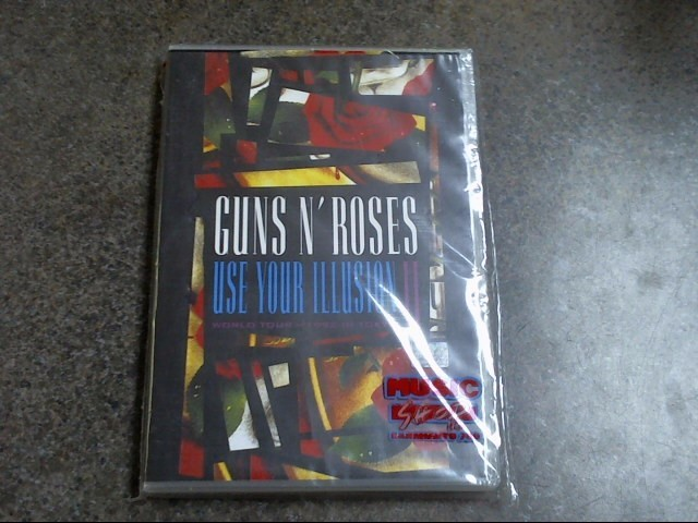GUNS N' ROSES USE YOUR ILLUSION II WORLD TOUR-1992 IN TOKYO