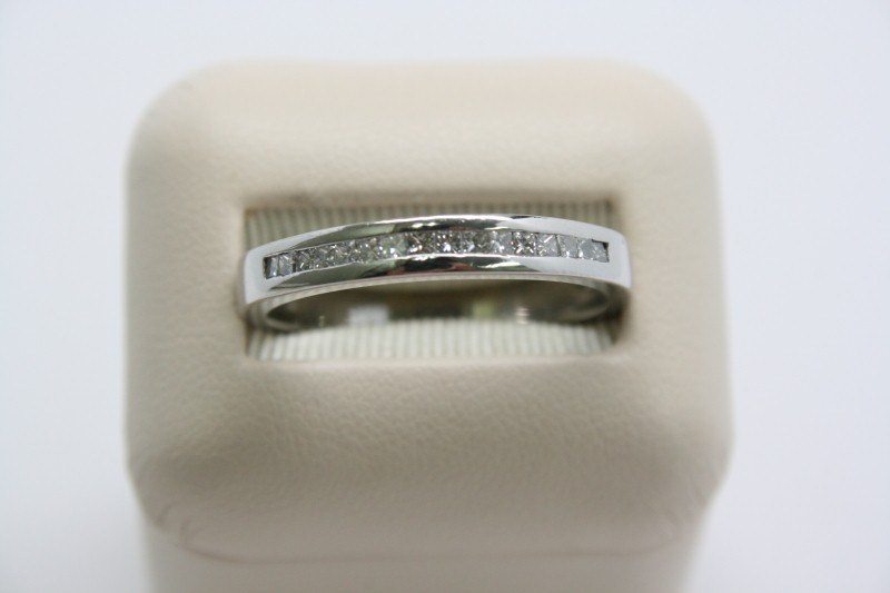 GENT'S PRINCESS CUT DIAMOND BAND PLATINUM W/ 14K WHITE GOLD