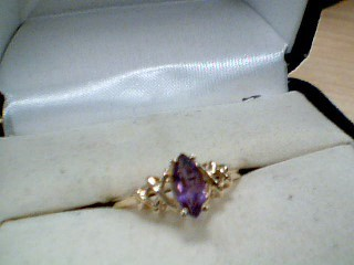 Black Stone Lady's Stone Ring 10K Yellow Gold 1g