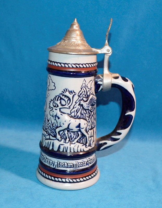 AVON BLUE #138160 WILD COUNTRY COLLECTOR'S BEER STEIN