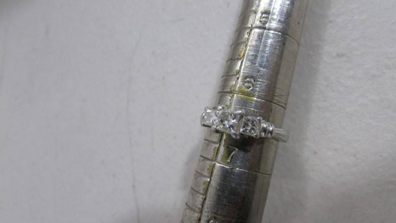 Lady's Platinum Diamond Cluster 3 Diamonds 1.10 Carat T.W. 950 Platinum 6.37g