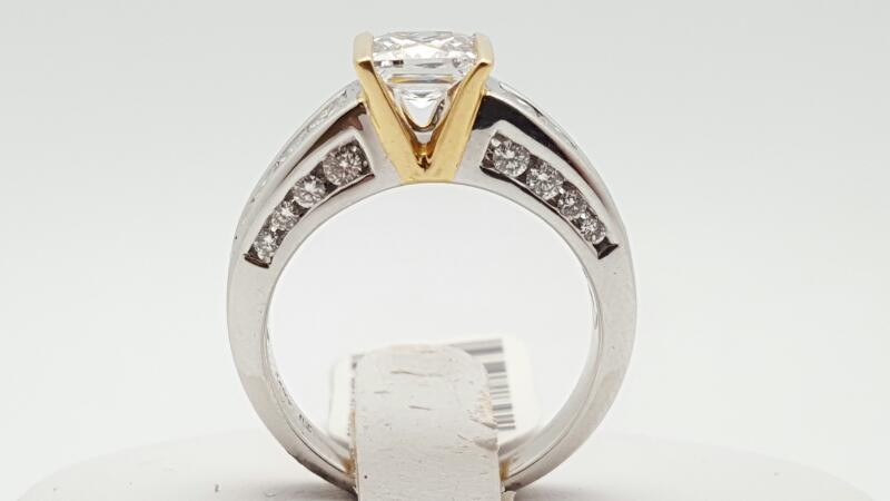 Lady's Diamond Engagement Ring 44 Diamonds 1.00 Carat T.W. 14K 2 Tone Gold 6.9g