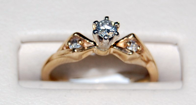 14K Yellow Gold Lady's Diamond Engagement Ring 2.3G 0.2CTW Size 5.25