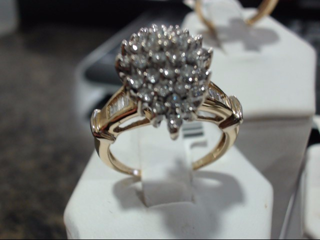 Lady's Gold-Diamond Anniversary Ring 0.01 CT. 14K Yellow Gold 6.9g