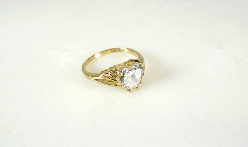White Stone Lady's Stone Ring 14K Yellow Gold 2.6g Size:7