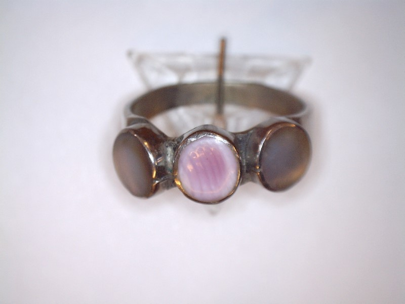 Mother Of Pearl Lady's Silver & Stone Ring 925 Silver 0.49dwt Size:7