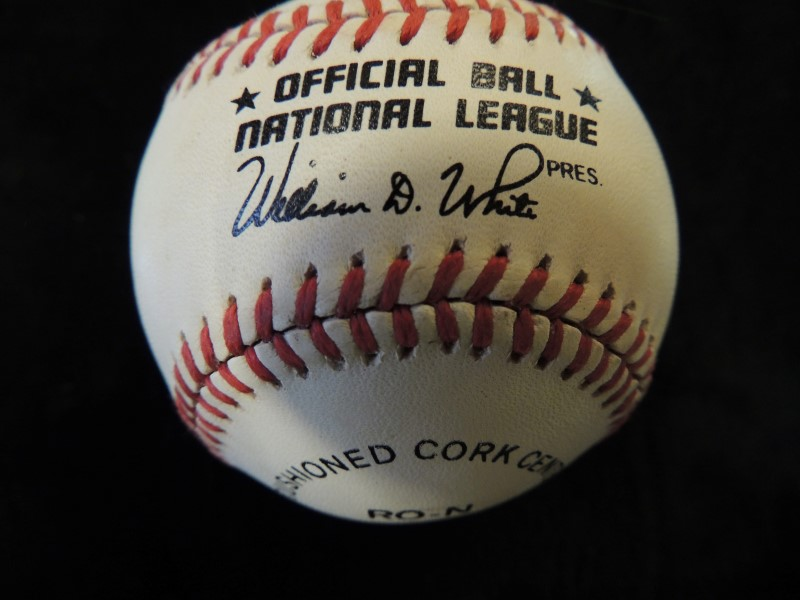 Eddie Murray Signed Rawlings Official MLB National League Baseball