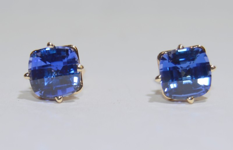 Tanzanite Gold-Stone Earrings 14K Yellow Gold 1.9g