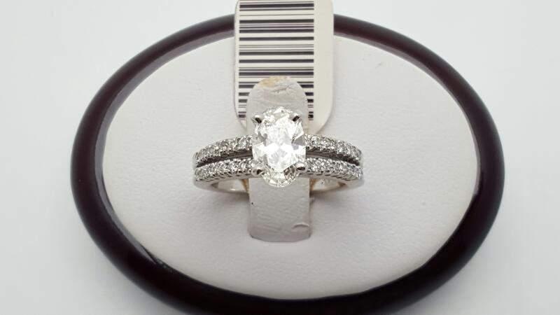 Lady's Diamond Engagement Ring 33 Diamonds 1.41 Carat T.W. 14K White Gold 6.1g