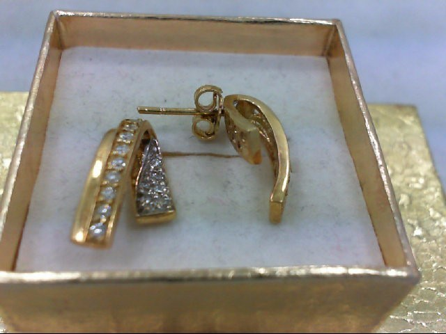 Gold-Diamond Earrings 30 Diamonds .30 Carat T.W. 18K Yellow Gold 4.7g